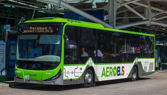 ligne aérobus de l'aéroport de lisbonne vers le centre ville