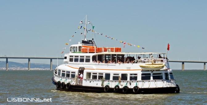 bateau navette à lisbonne