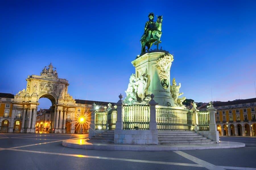 Place du commerce lisbonne - Office du tourisme de lisbonne ...