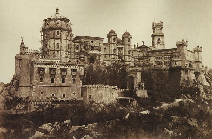 le palais de pena à sintra en 1850