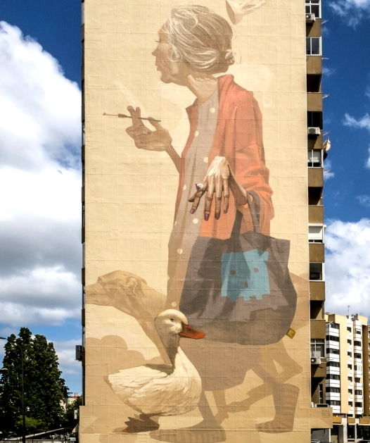 fresque art urbain lisbonne