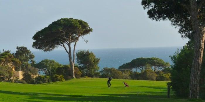 jouer au golf à cascais