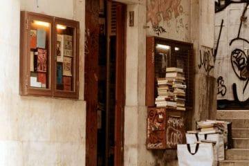 la plus petit librairie du monde