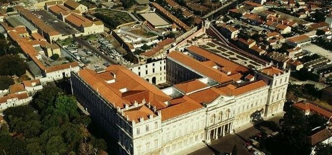 un palais inachevé